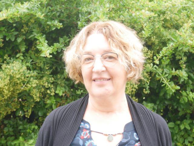 Mme Sandrine BARRAU